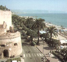 il bastione eratto a difesa delle spiagge di Ceriale