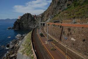 la linea ferroviaria che attraversa Manarola