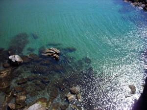 l'acqua cristallina del mare di Moneglia