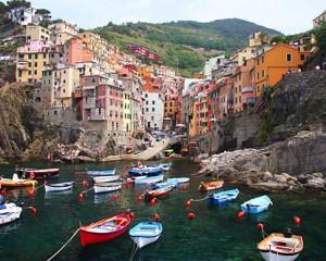 le tipiche abitazioni colorate di Riomaggiore